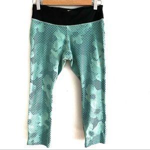 Nike Dri Fit 3/4  length leggings
